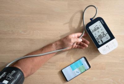 Blutdruckmessgeräte erkennen Anzeichen von Vorhofflimmern